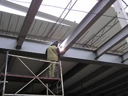 Монтаж металлоконструкций быстровозводимого здания